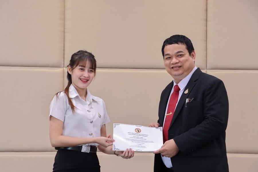 รับรางวัลรองชนะเลิศอันดับ 2 การประกวดสหกิจศึกษาดีเด่น