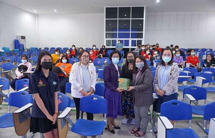 โครงการประชาสัมพันธ์หลักสูตร โรงเรียนสตรีอ่างทอง